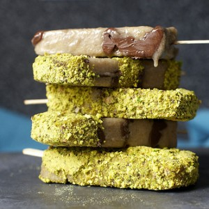 Banana, Nutella and Salted Pistachio Popsicles<br>