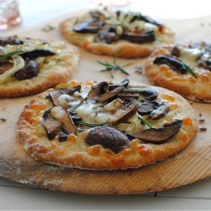 Mini Roasted Fennel and Mushroom Pizzas