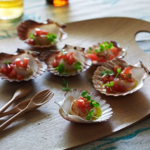 Scallops with Warm <br>Tomato-Basil Dressing