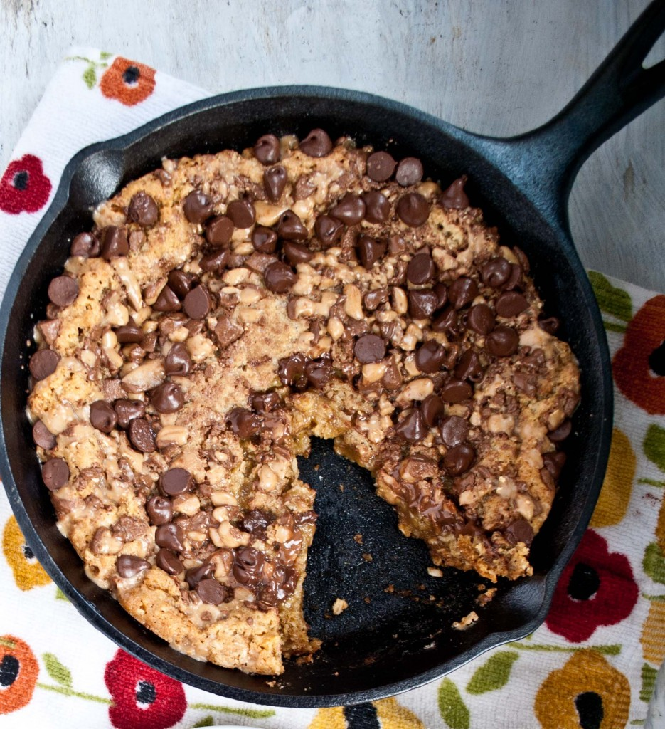 Oatmeal Toffee Skillet Cookie