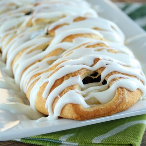 Easy Blackberry Cheese Danish