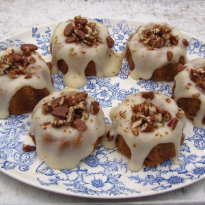 Pumpkin Spice Mini-Cakes with Cream Cheese Icing