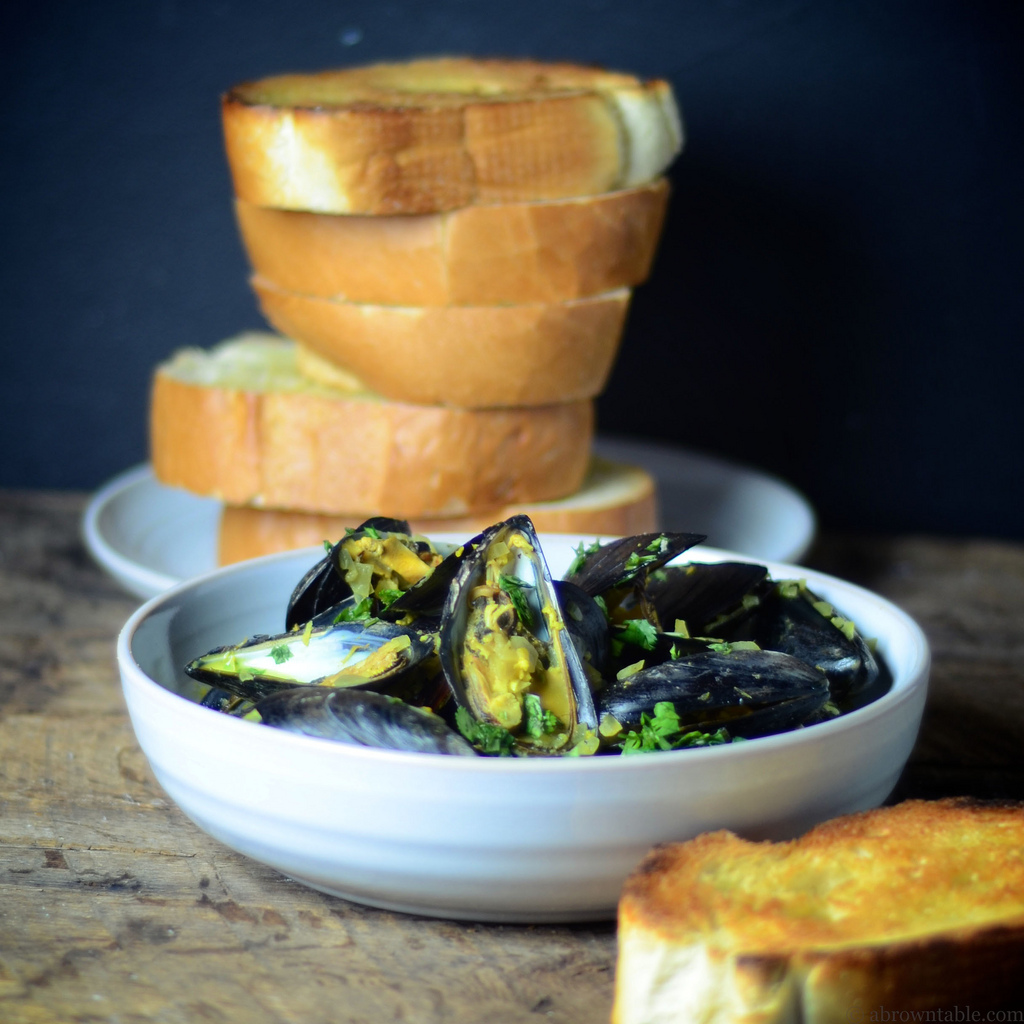 Yogurt and Coconut Curried Mussels