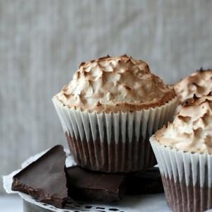 Mocha Meringue Cupcakes