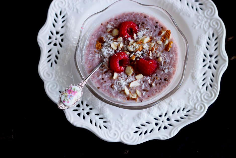 Raw Raspberry and Vanilla Chia Pudding