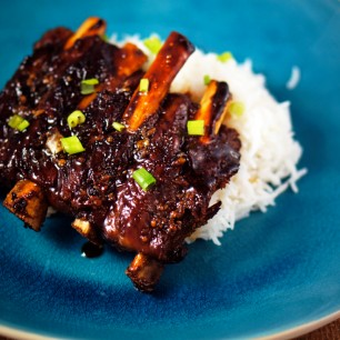 Sticky Dry Garlic Ribs