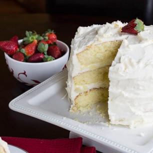 Almond Cake with Amaretto Filling